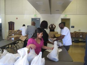 2-annual-turkey-give-away-037