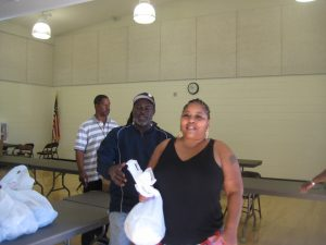 2-annual-turkey-give-away-041